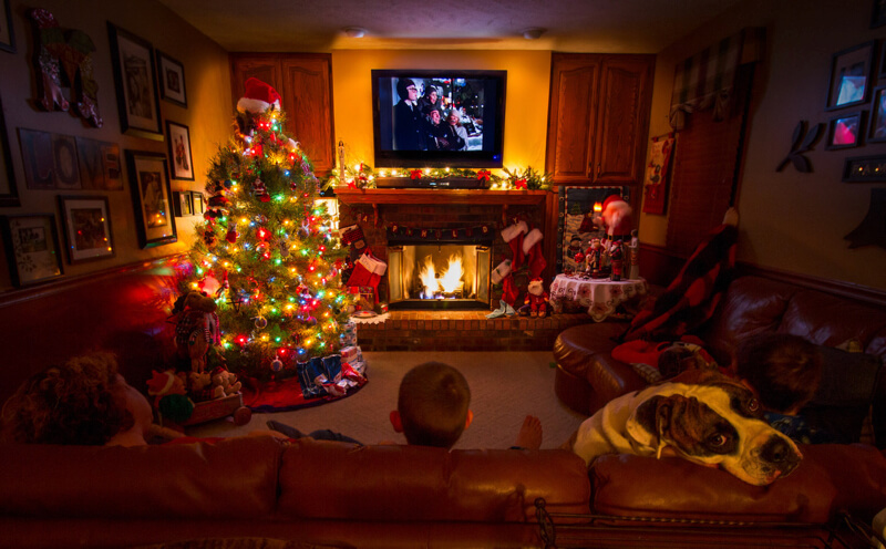 TroyMarcyPhotography.com - Family Holiday Movie Time